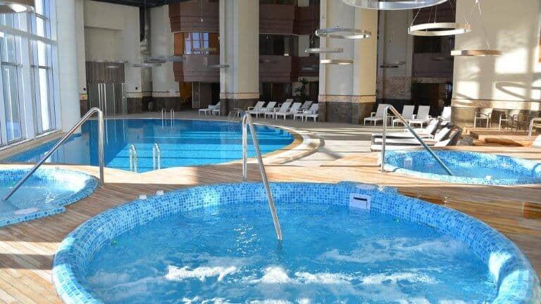 مسبح فندق بوف اولوداغ