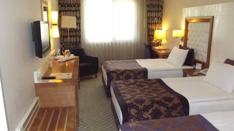غرفة ثلاثية فندق تودجو سيلكت