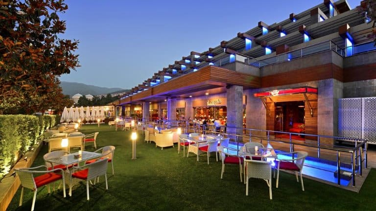 حديقة فندق ديفان بورصا