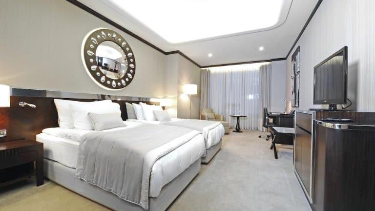 غرفة فندق كراون بلازا بورصة