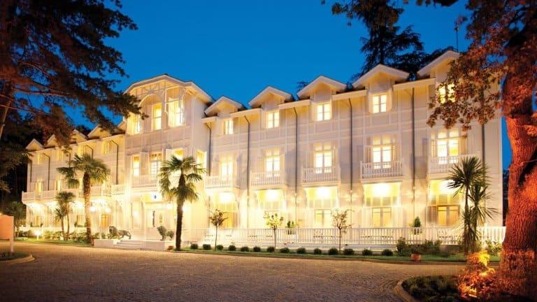 بناء فندق ليماك ترمال يلوا