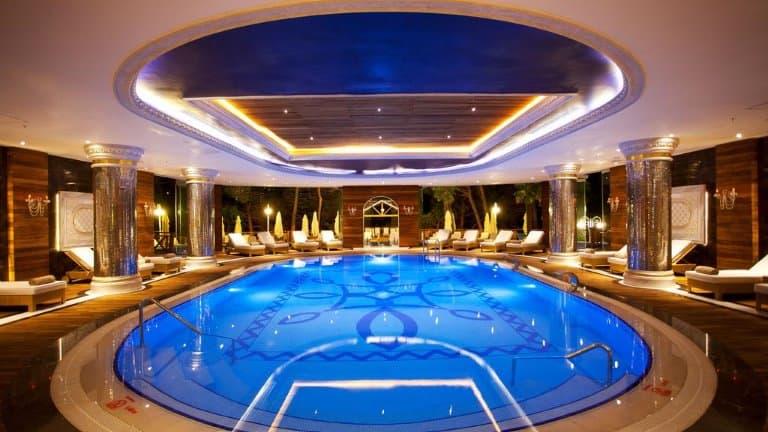 مسبح فندق ليماك ترمال يلوا