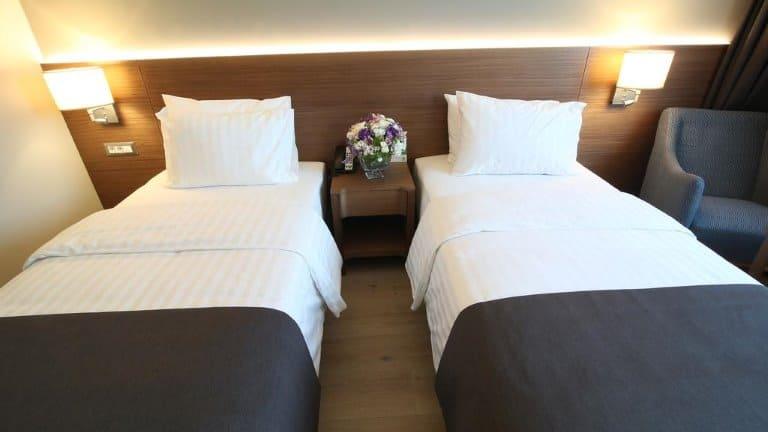 غرفة لشخصين فندق هوليداي إن بورصة - سيتي سنتر
