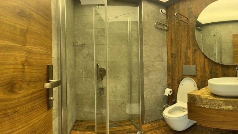 حمام اكواخ انان في اوزنجول