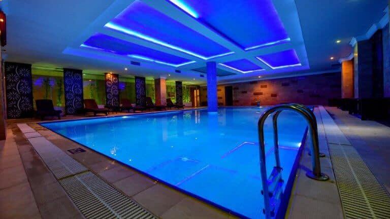 مسبح فندق اوندر اوزنجول