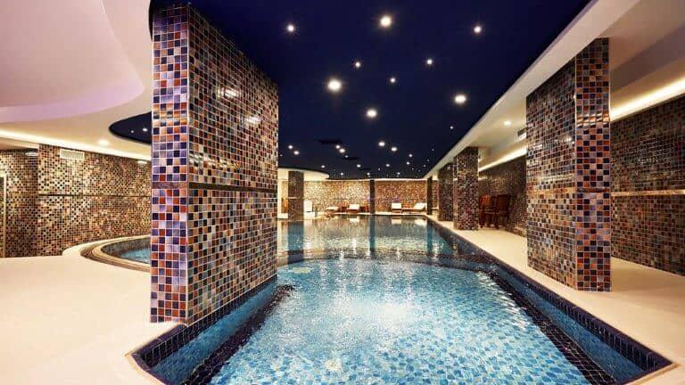 مسبح فندق رويال اوزنجول