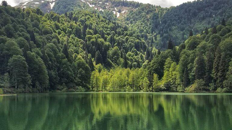صورة للبحيرة السوداء
