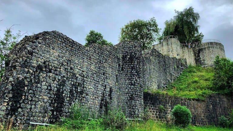 صورة لقلعة ريزا