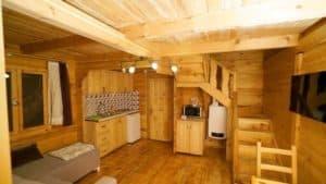شقة خشبية في ريزا ايدر