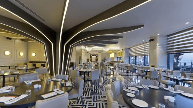 مطعم فندق رمادا في طرابزون