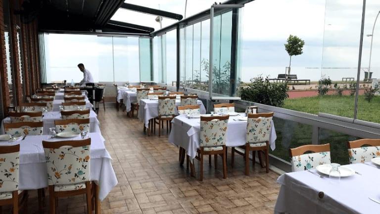 اغلى مطعم في طرابزون جلسات على البحر