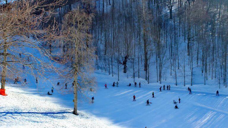 صورة في الشتاء لجبل كارتبه