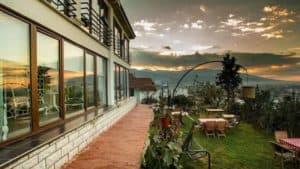 افضل الفنادق المطلة على بحيرة سبانجا