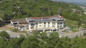 فندق بين طبيعة جبال صبنجه