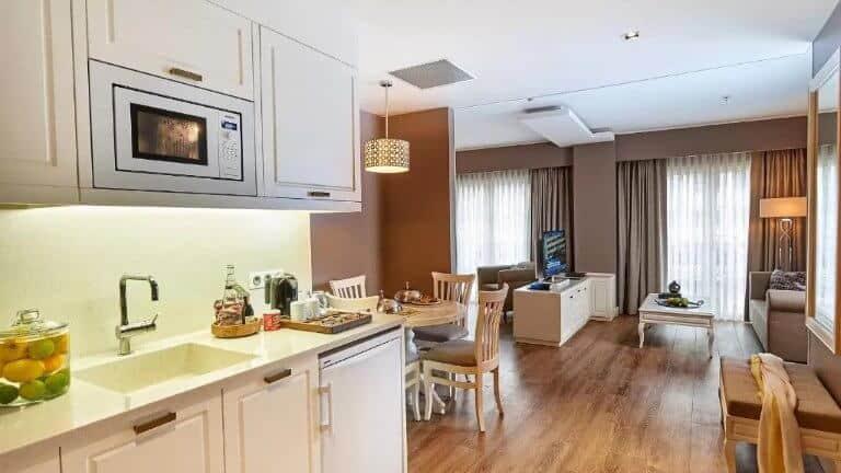 فندق ريناتا البوتيكي افضل فنادق للعوائل في شيشلي