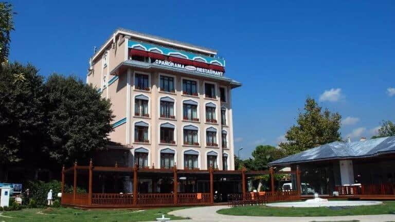 فندق ذا اند السلطان احمد