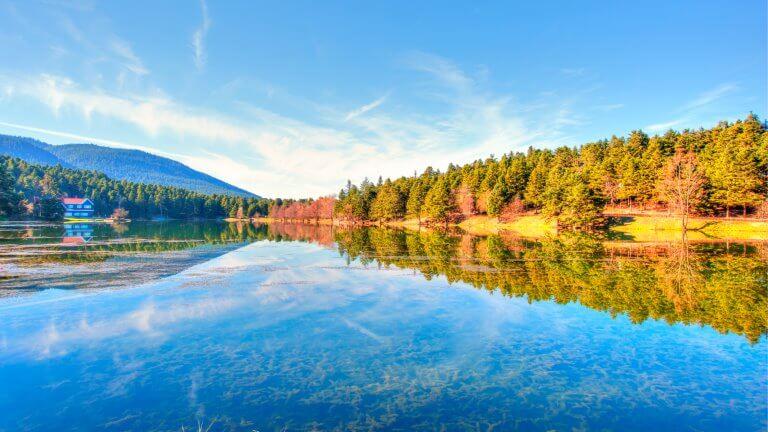 صورة لبحيرة غولجوك
