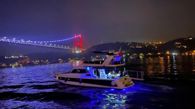 يخت خاص في اسطنبول