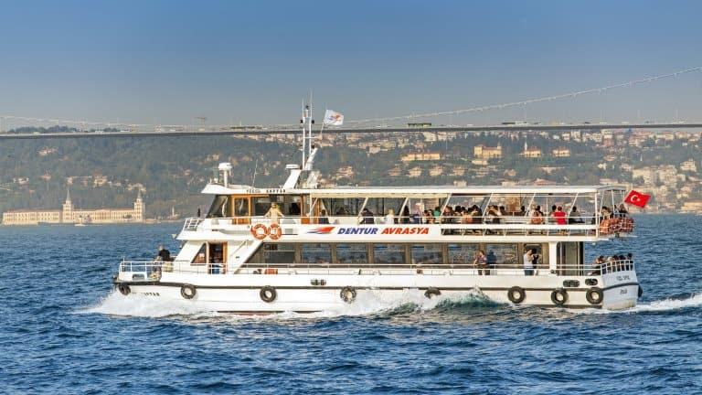 مضيق البوسفور ستزوره في برنامج سياحي في اسطنبول 10 ايام