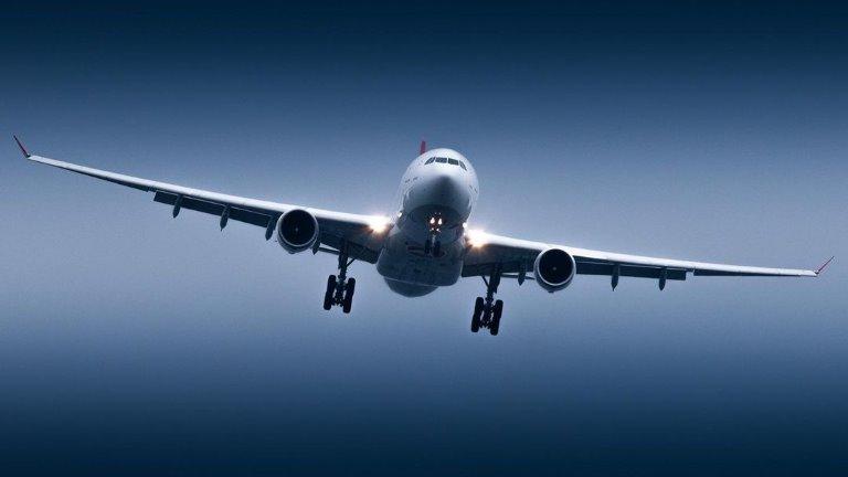 طائرة في مطار اسطنبول