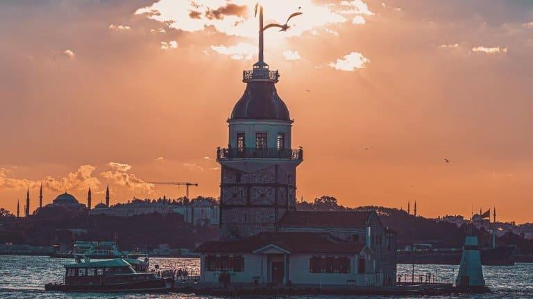 برج البنت ستزوره عند حجز برنامج سياحي في اسطنبول
