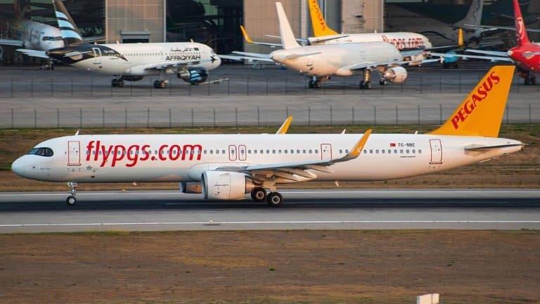 صورة لطيارة بيجاسوس ذهابة من انطاليا إلى اسطنبول