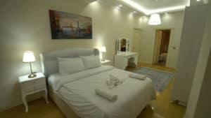 سرير لشخصين مع حمام بالغرفة مول فينيسيا