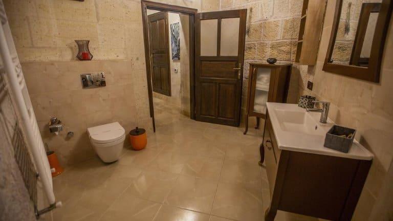 حمام الجناح