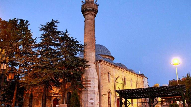 مسجد يفلي منارة