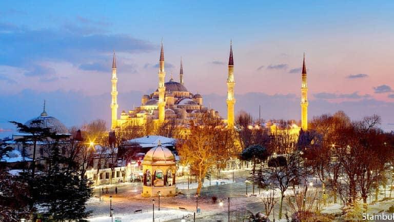 احمدل مدن تركيا السياحية - اسطنبول شتاءً