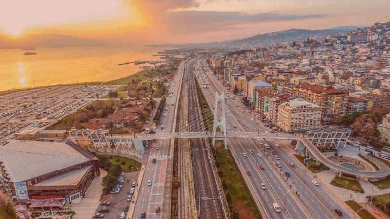اجمل مدن تركيا السياحية - ازميت في  كوجالي